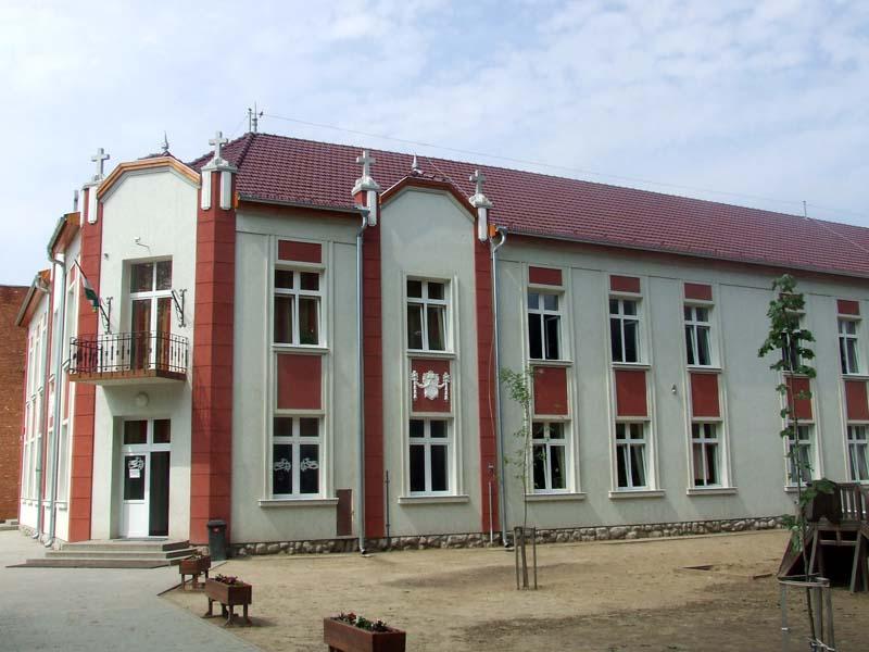 """Képtalálat a következőre: """"kerekegyháza móra ferenc általános iskola"""""""